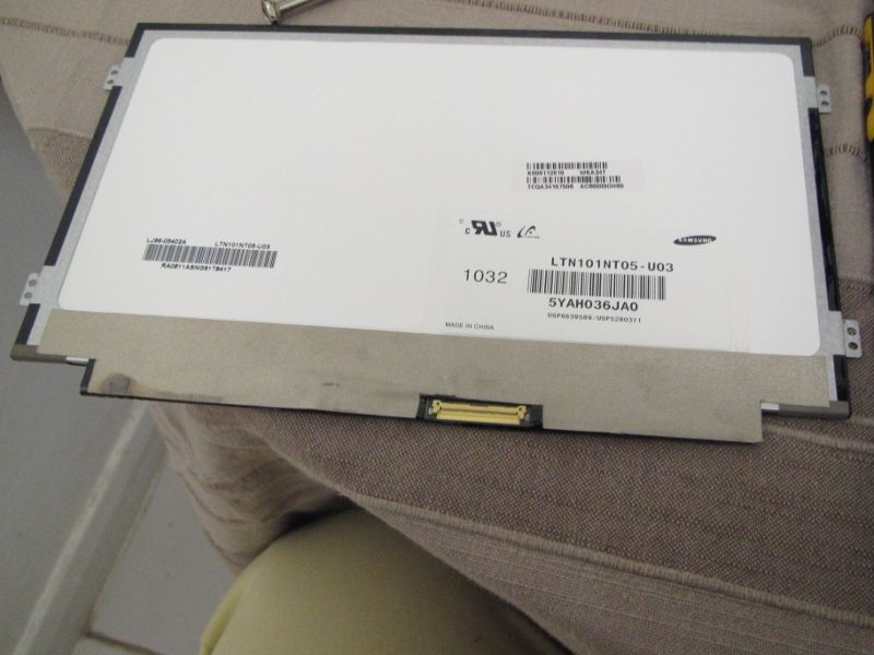 Standard Toshiba AC100 display panel