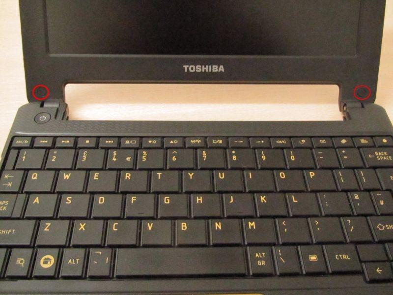 Toshiba AC100 Screen Bezel Screws